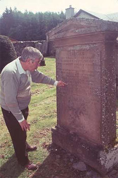 http://www.scottishgenealogyresearch.com/uploads/images/small/david-roseburgh.jpg